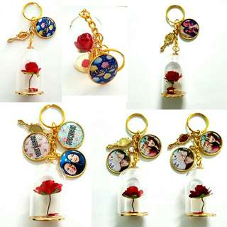 🚚 Instocks customized beauty and the beast rose keychains