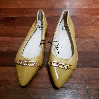 Mustard doll shoes