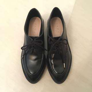 Zara leather shoes 黑皮鞋