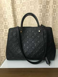 Authentic Louis Vuitton bag,75%new,conditions as pic, About W base 34* H center 26* D up to 18.5cm A shoulder strap: Approximately 74cm