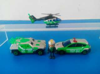 Tomica Tomy 工程車系列套裝 包括:直升機 工程車(2部) 工程人員1個