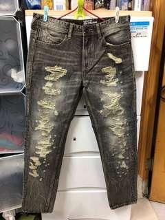 W32灰黑色破壞、洗水💦straight jeans 95%🆕 🎉記得follow 我。有大量其他品牌👖