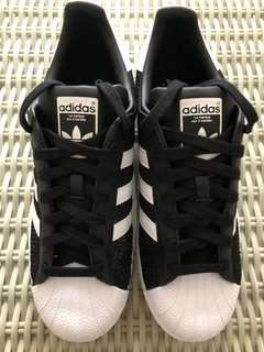Adidas Originals💯% Authentic Superstar sneakers for SGD$90 (size US9, UK8.5, EU42 2/3, JP270, CN265) with box