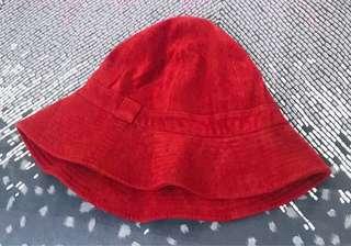 Maroon bucket hat