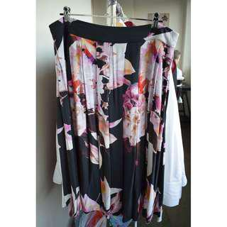 Portmans - size 14 - Black floral pattern skirt