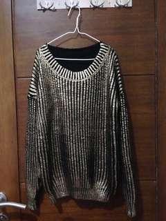 Metalic sweater
