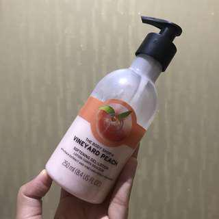 Body lotion vineyard peach The Body Shop