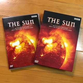太陽之謎 THE SUN 英國廣播公司製作 BBC 剖釋太陽表面熱能來源 核心結構 模擬太陽運作 以及對宇宙間和地球上物種的好壞 可選擇繁體中文字幕
