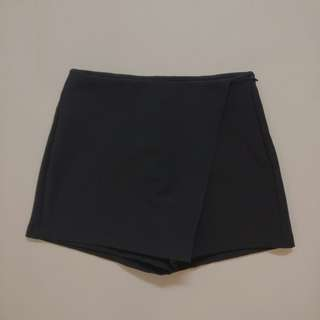 SEED Formal Black Skort