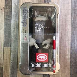 ecko unltd. 犀牛品牌 10吋 inch Fig. Tin Box 著衫公仔 - A款 淺灰牛 衞衣 牛仔褲