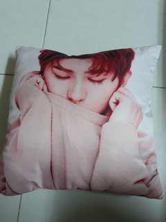 Cai xu kun double sided cushion