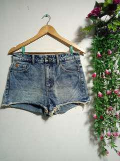 Bershka Highwaist Short
