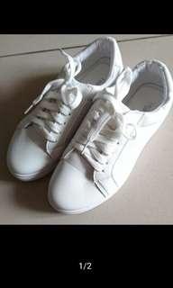 🚚 小白鞋 全新 百搭
