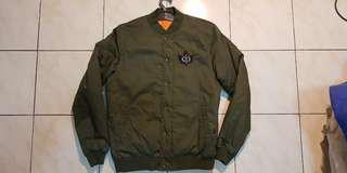 Jacket bomber / jacket tebal