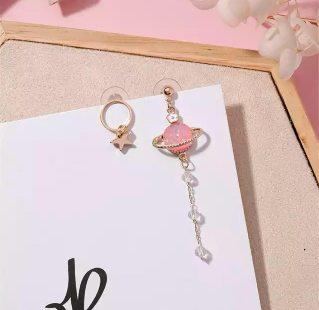5254588ca aesthetic 3D pink saturn and star earrings, Women's Fashion ...