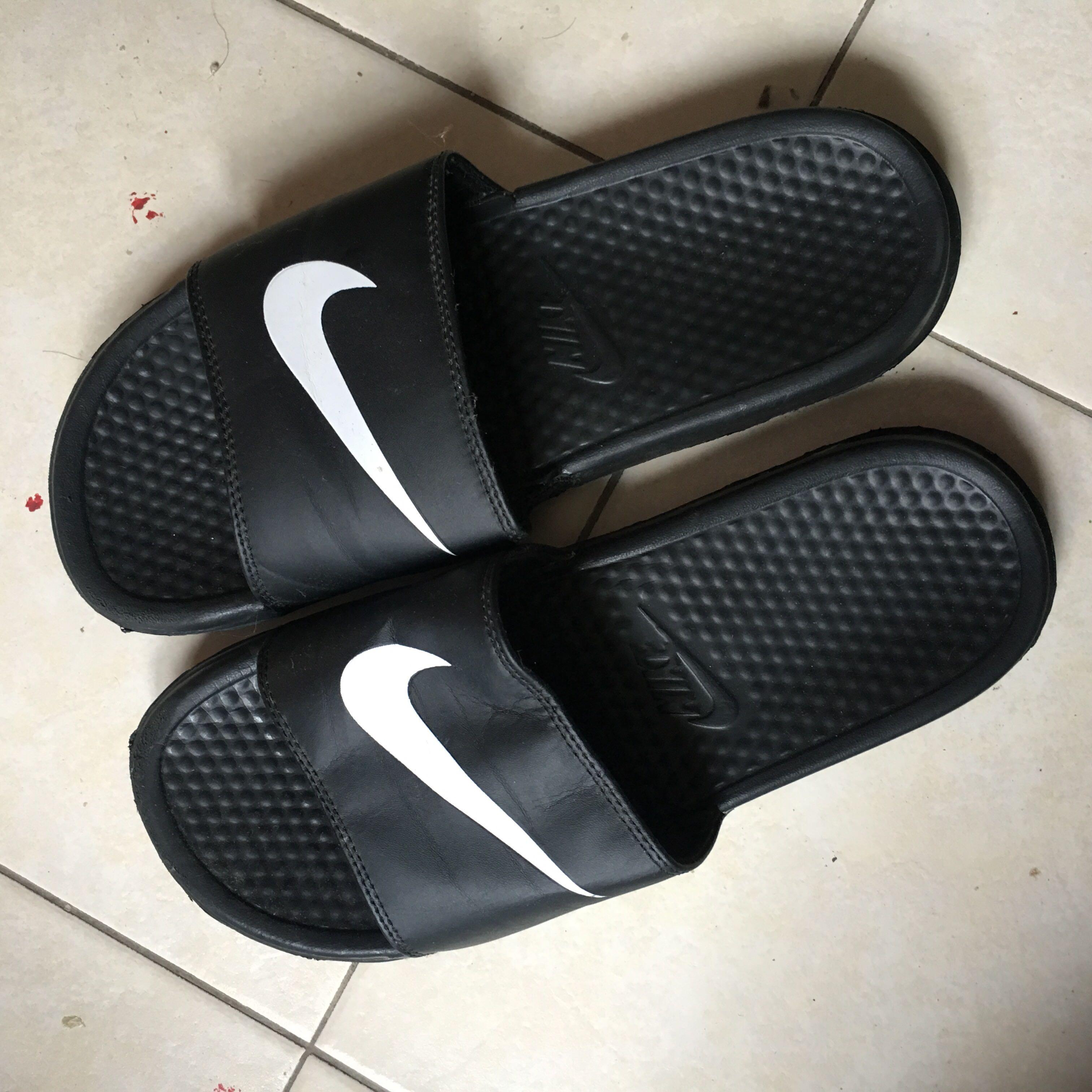 e615c0930 ... new zealand nike benassi swoosh slides mens fashion footwear slippers  sandals on carousell 7db54 67b8e