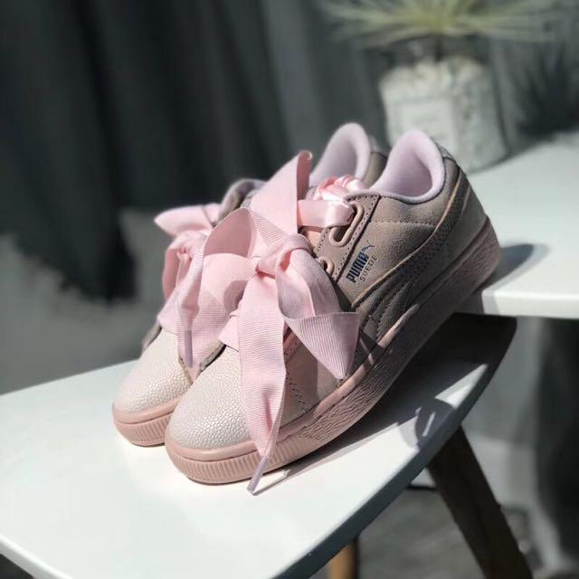 best cool erkende merken geautoriseerde site PUMA SUEDE HEART BUBBLE, Women's Fashion, Shoes on Carousell