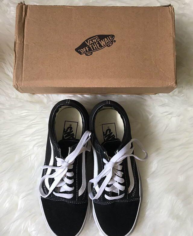 Women's Vans OLD SKOOL used but great con! - Size 7