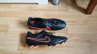 Nike Tiempo Genio Leather cleats