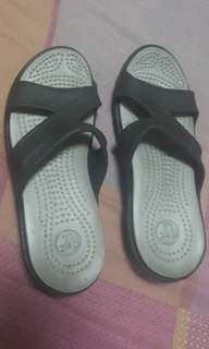 Authentic  Crocs slip on slippers sandals size 5 but for size 4 bought in Singapore