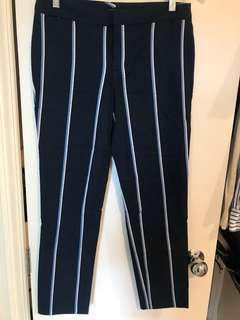 TOMMY HILFIGER Cropped Pants, Size 4
