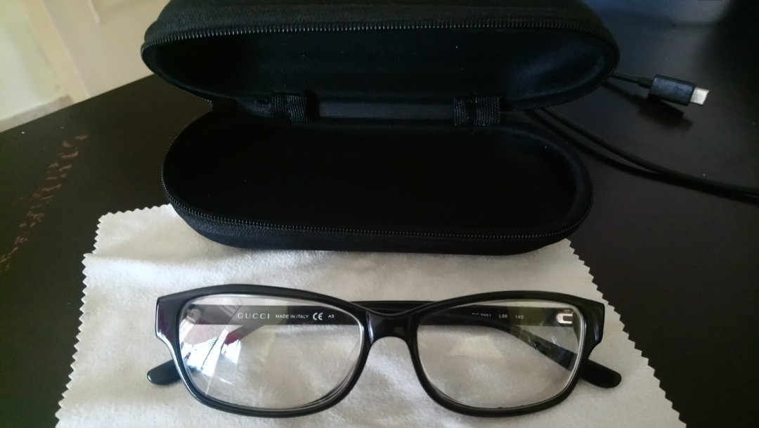 3933c52f33837 100% Authentic Gucci Eye Glass for Sale