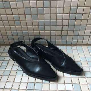 🚚 韓國購入 尖頭真皮低跟鞋