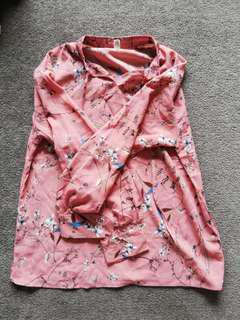 Flowery pink long blouse