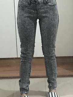 Forever 21 skinny soft stretchable jeans sz25