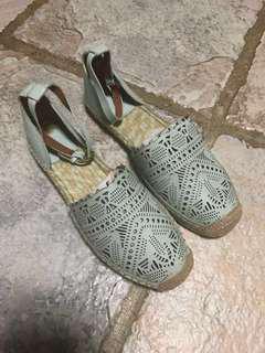 Tory Burch 草編平底涼鞋 100% 正品,Tory Burch sandals