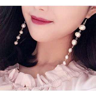 🚚 珍珠垂墜耳環
