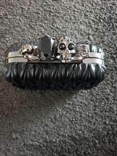 Finger Skull clutch
