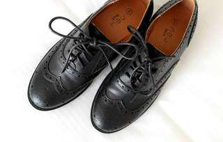 NEW LOOK OXFORD SHOES