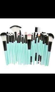 25pcs Makeup Brushes Foundation Power Blush Eye Shadow Eyebrow Lip Beauty Tool