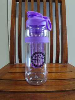 BNIB - BPA free fruit infusing water bottle