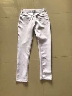 saya white pants