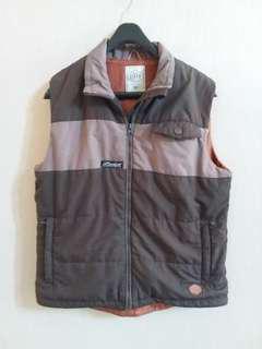 #maunitendo Jacket Vest by EIGER