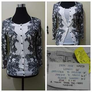WA873 H&M Black White Floral Cardigan - Like New