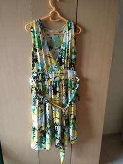 [A] Dress Pendek Tanpa Lengan Warna Kuning Hijau