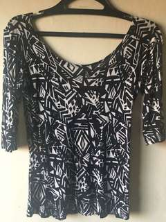 B&W Aztec Print Low Back 3/4 Sleeves Top (M)