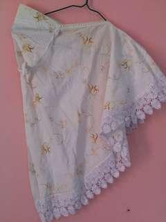 Kerudung blus putih