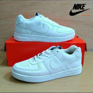 Sepatu airforce one full white