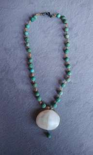 Turquoise vintage bead necklace - cheap!