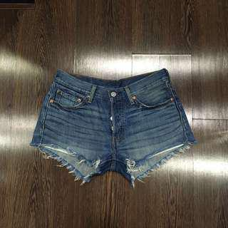 Levis 501 Frayed Shorts W26