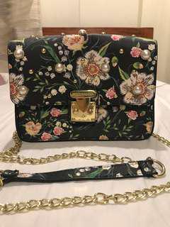 REPRICED‼️Steve Madden Bsophia Pearl Bag
