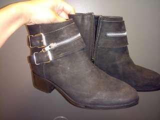 Brand new Steve Madden boots