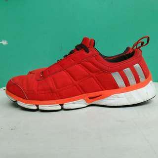 Sepatu adidas cw oscillas. Size 43/27,5cm.