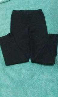 6 y.o Carter's black leggings