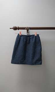 brand new with tags checkered navy skirt size 6 xs