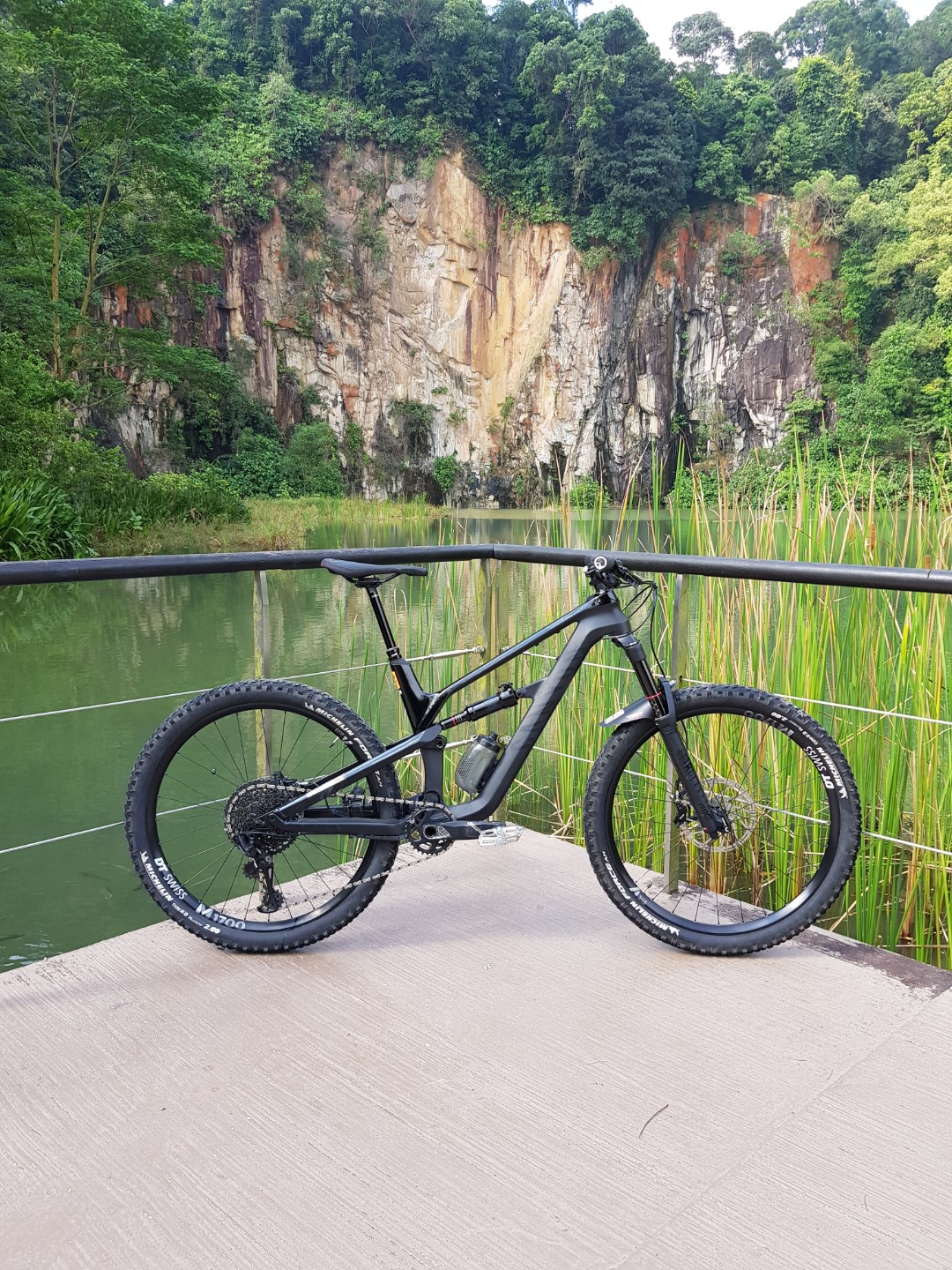 2018 Canyon Spectral CF 8 0 (M Size), Bicycles & PMDs